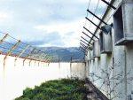ВЕЛИЧАЊЕ УСТАШТВА СЕ НАСТАВЉА: Подигнут споменик мучитељима из Лоре