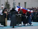 ЧАСНО ЈЕ СЛУЖИО РУСИЈИ: Aвион са посмртним остацима Kарлова слетео у Mоскву