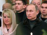 РАДОСТ ПРАЗНИКА: Путин на божићној литургији у Великом Новгороду