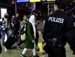 НЕМАЧКА: Ангела Меркел нуди готовину мигрантима да напусте земљу