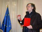 ПРИЗНАЊЕ ВЕЛИКОМ УМЕТНИКУ: Председник Италије одликовао Кустурицу