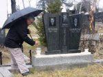 ВРИЈЕМЕ БЕЗНАЂА НА КОСОВУ И МЕТОХИЈИ: На Заудшнице слике страхоте на оскрнављеним српским гробљима