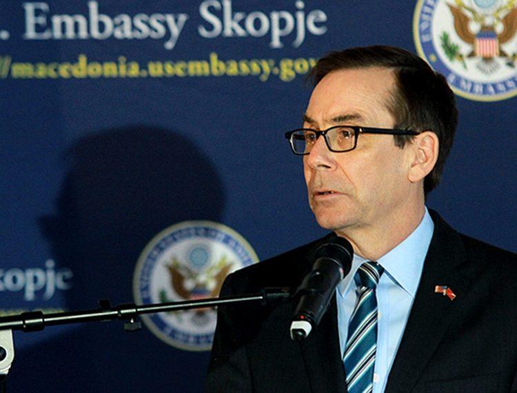 """ПРЕСЕДАН У АМЕРИЧКОЈ ПОЛИТИЦИ! ТРАМПОВИ КОНГРЕСМЕНИ: """"Страшно је то што ради амерички амбасадор у Македонији"""