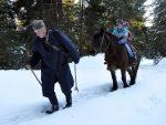 ЕПСКА СЛИКА СА ПЛАНИНЕ ЗЛАТАРА: На коњићу иду у школу и сањају да постану људи