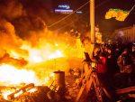 НОВИ МАЈДАН ЈЕ ПОЧЕО: Националисти се пробијају према Порошенковом кабинету