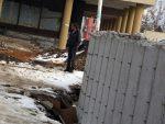 КОСОВСКА МИТРОВИЦА: Сутра уклањање зида предвиђено договором