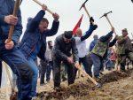 РАДНА АКЦИЈА НА ЗЛАТИБОРУ: Народ Златибора и околине мобом почео изградњу панорамске гондоле
