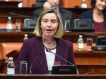 """БЕОГРАД: Могеринијева говорила, у скупштини се орило: """"Србија, Русија"""""""