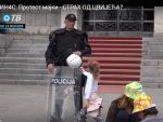 ПОДГОРИЦА: Црногорски специјалац одбио цветић од девојчице