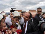 """ПОНИЖАВАЊЕ СРБИЈЕ: Председник Албаније у Бујановцу дочекан песмом – """"Косово је Албанија""""!"""