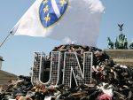 """ОКРВАВИЛИ РУКЕ: Сребреницу """"режирали"""" Клинтон и Алија, Холанђани само статисти"""