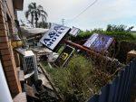 АУСТРАЛИЈА: Двоје мртвих у урагану, хиљаде евакуисане