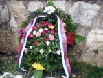 ЧЕТВРТ ВИЈЕКА ОД ЗЛОЧИНА: Први пут положени вијенци у Великом парку у Сарајеву