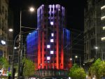 """СОЛИДАРНОСТ СА РУСИЈОМ: Мост на Ади и палата """"Албанија"""" у бојама руске заставе"""