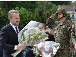 """ДВОСТРУКИ АРШИНИ: Изетбеговићу не смета постројавање војника у част """"златним љиљанима"""""""