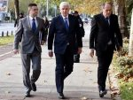ПОРОДИЦЕ СТРАДАЛИХ У МУРИНИ ПОРУЧИЛЕ МАРКОВИЋУ:  Не могу се жалити жртве, а славити НАТО убице
