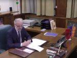 МАКЕДОНИЈА: Џафери на сто ставио и албанску заставу