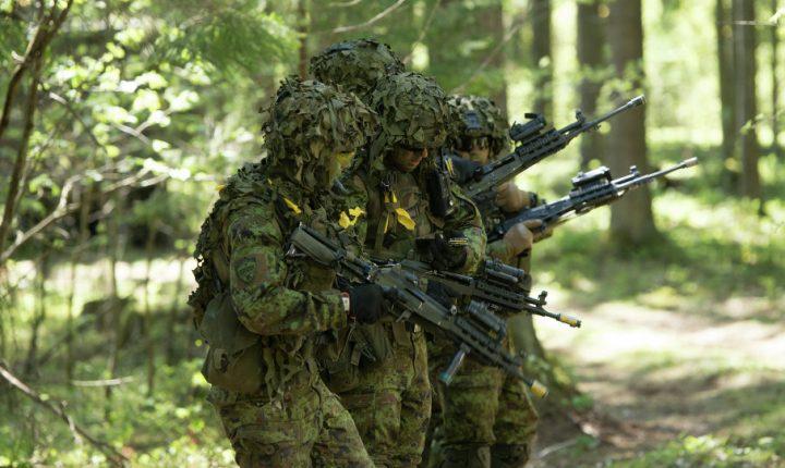 НА ГРАНИЦИ С РУСИЈОМ: Почеле међународне војне вежбе у Естонији