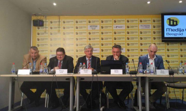 ТИМ ОДБРАНЕ ГЕНЕРАЛА МЛАДИЋА: Не одустајемо од борбе за лечење генерала у Русији