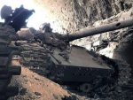 ПАЛМИРА: Јурњава тенка Т-90 за терористима по сиријској пустињи (видео)