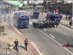 ХАМБУРГ: Тешко повријеђено 11 демонстраната, војни транспортери на улицама
