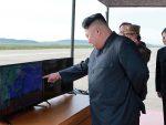 """ПЈОНГЈАНГ: Северна Кореја показала како """"уништава"""" амерички носач авиона"""