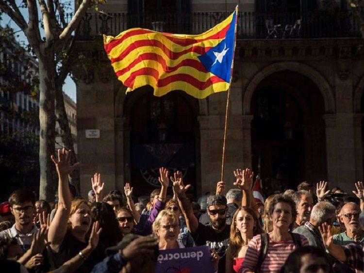 ШПАНИЈА: Мадрид распустио каталонски парламент, избори 21. децембра