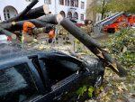 НЕВРИЈЕМЕ У ЕВРОПИ: Има мртвих, хиљаде без струје