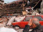 НАТО ПАНЕЛ У БЕОГРАДУ: Србија не може седети на две или три столице