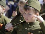 ФРАНЦУСКИ ЛЕ ФИГАРО КРИТИКУЈЕ: Руси у школама уче децу да воле своју земљу