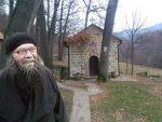 НА ЗЛОГЛАСНОЈ БАЈГОРИ: Отац Јован jедини чувар богомоље у беспућу