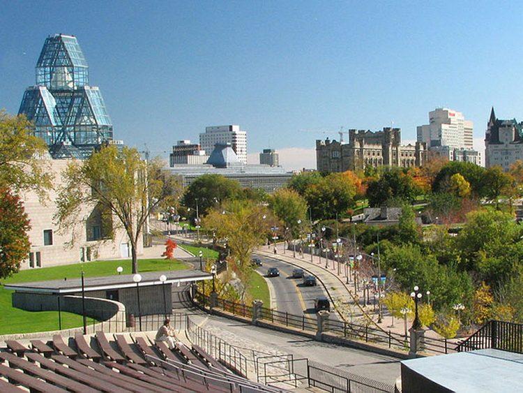 КУДА ИДЕ ОВАЈ СВИЈЕТ: Канадска химна постала родно неутрална