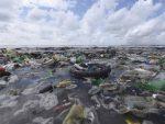 """1,6 МИЛИОНА КВАДРАТНИХ КИЛОМЕТАРА: На пацифичком """"острву смећа"""" 80.000 тона пластике"""