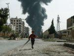 """СИРИЈСКИ ДЕЧАК РАСТУРИО ТРАМПА, МАКРОНА И МЕЈ: Ево шта се десило на снимању """"хемијског напада"""""""