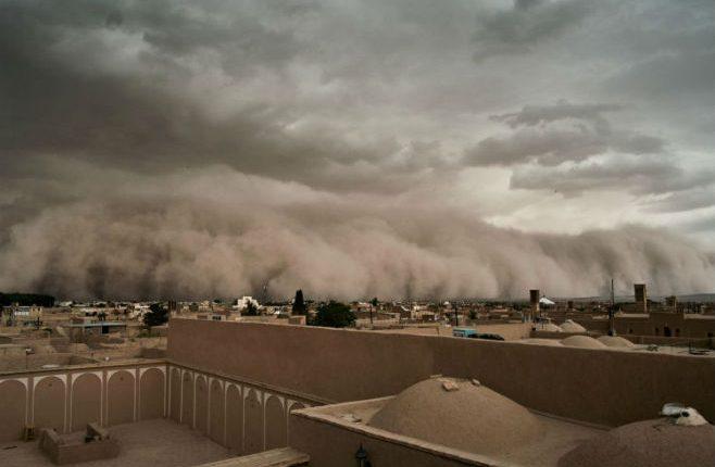 ИРАН: Цијели град прогутала је пјешчана олуја за само неколико тренутака (ВИДЕО)