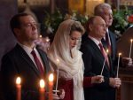 ВАСКРС У МОСКВИ: Путин и Медведев на васкршњој литургији у московском Храму Христа Спаситеља
