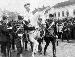 И ТО ДОЧЕКАСМО: Пљевља протерују краља Петра Карађорђевића
