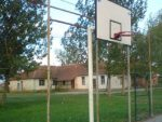 АЛБАНЦИ НИ СРПСКОЈ ДЕЦИ НЕ ДАЈУ МИРА: Оштећена школа у Сувом Долу, узнемиравани српски ђаци