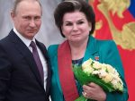НИКО КАО ОНА: Путин честитао Валентини Терешковој 55 година од лета у космос