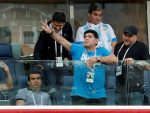 САНКТ ПЕТЕРБУРГ: Еуфорични Марадона колабирао после утакмице, пребачен у болницу