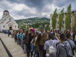 ВЕЛИКО СРЦЕ СРПСКЕ: У Андрићграду свечано дочекано 900 дјеце са Косова и Метохије