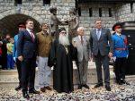 БРАТСКИ ЗАГРЉАЈ: У Андрићграду откривен споменик браћи Соколовић – Мехмед-паши и патријарху Макарију