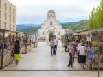 У СЛАВУ КЊИГЕ И ПИСАЦА: Данас отварање трећег Сајма књига у Андрићграду