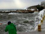 НАЛИК УРАГАНУ: Моћна и ријетка олуја стиже у Европу