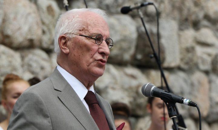 МИНИСТАР ПОЛИЦИЈЕ ЦРНЕ ГОРЕ: Српским интелектулцима није забрањен улазак у земљу