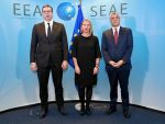 БРИСЕЛ ПРИТИСКА СРБИЈУ: ЕУ жели споразум Београда и Приштине у наредних годину дана