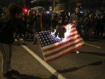 СУКОБИ У АТИНИ: Грци палили америчке заставе!