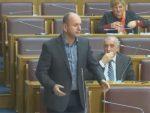 СКУПШТИНА ЦРНЕ ГОРЕ: Кад год се Шкреља обрати на албанском, ја ћу се обратити на руском