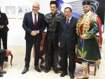 КИНЕСКИ МИНИСТАР КУЛТУРЕ ОДУШЕВЉЕН: Кинези фасцинирани гуслама