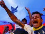 """САД: """"Прихвати демократију Венецуела!"""": Болтон прети санкцијама, Помпео обећава """"акцију"""""""